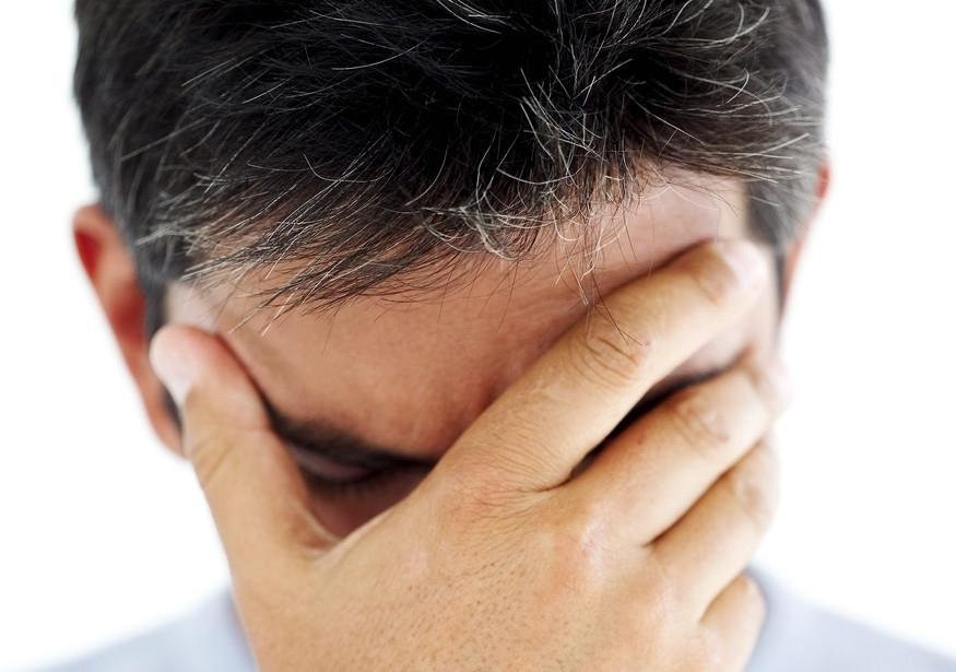 premature-gray-hair-among-men-causes-treatment-and-precautions-901