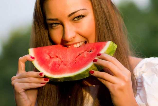 woman-eating-watermelon