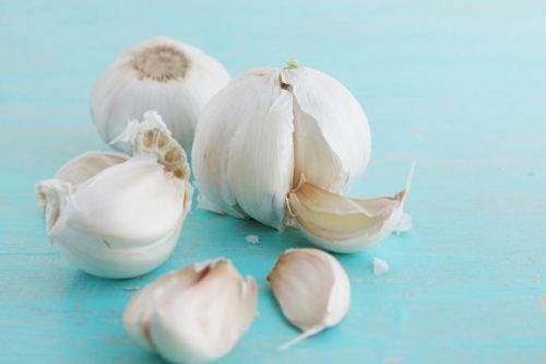 Dont-Consume-Garlic-Immediately-If-You-Have-Any-of-These-Conditions-e1472592842783