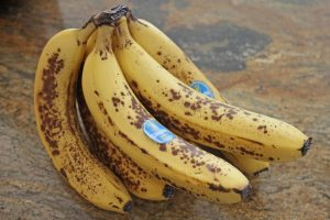 Is-it-Okay-to-Eat-Two-Bananas-a-Day