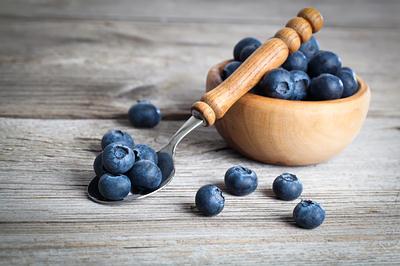 blueberries-bowl-spoon-opt