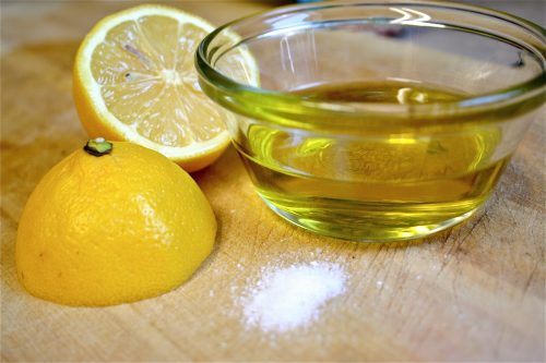 Mix-Olive-Oil-and-Lemon-Juice-Like-THIS-to-Cure-What-Ails-You-e1473263096397