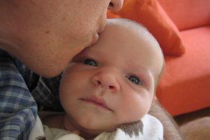 newborn-baby-kiss