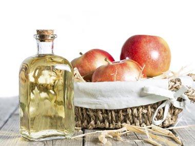 05-white-teeth-apple-cider-vinegar-sl