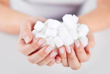 05_sugar_Reasons-to-Avoid-All-Soda-That-Means-Diet-Too_262465640_Rostislav_Sedlacek-380x254