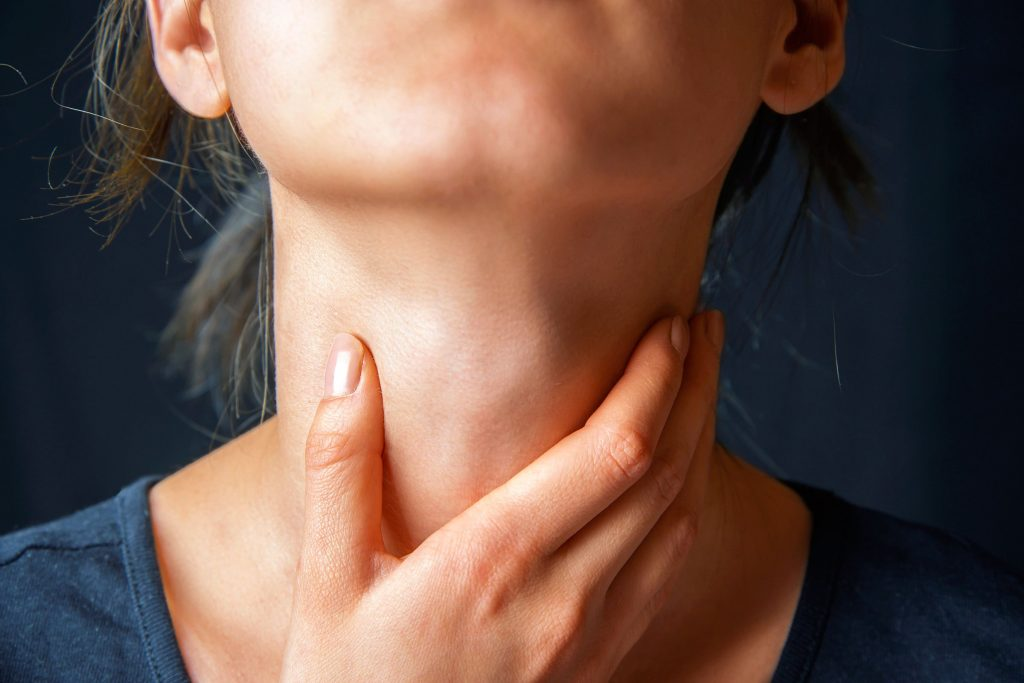 06-7-signs-heart-attack-neck-pain