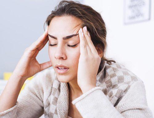 ခေါင်းတစ်ခြမ်းကိုက်ဝေဒနာကို သက်သာစေမယ့် အိမ်တွင်းဆေးနည်းများ