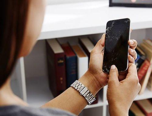 အက်ကွဲစင်းရာတွေထင်နေတဲ့ဖုန်းScreen ကို အသုံးပြုခြင်းရဲ့ဆိုးကျိုးများ
